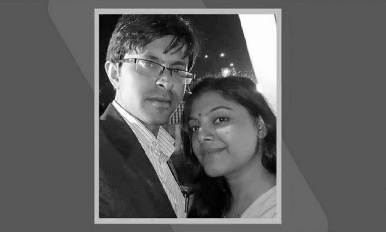 হ্যান্ড স্যানিটাইজার থেকে আগুন: স্বামী লাইফ সাপোর্টে, স্ত্রী হাসপাতালে