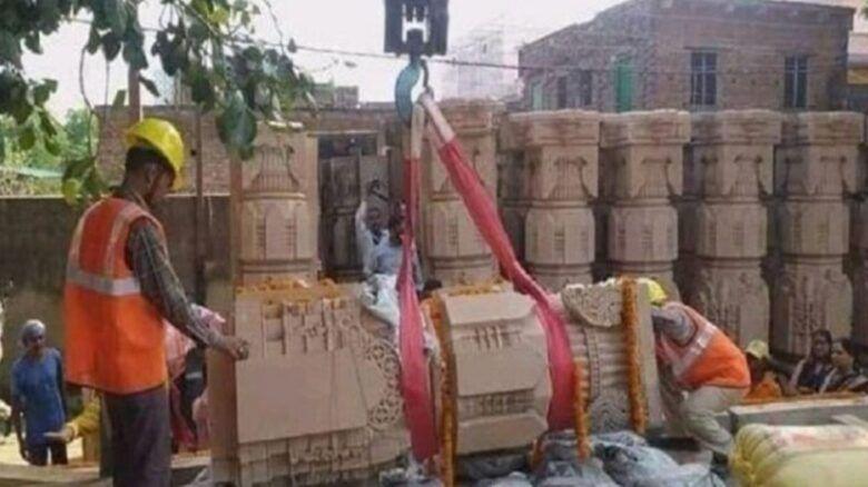 মসজিদের স্থানে মন্দির নির্মাণ, ধ্বসে পড়েছে ১২ টি পিলার